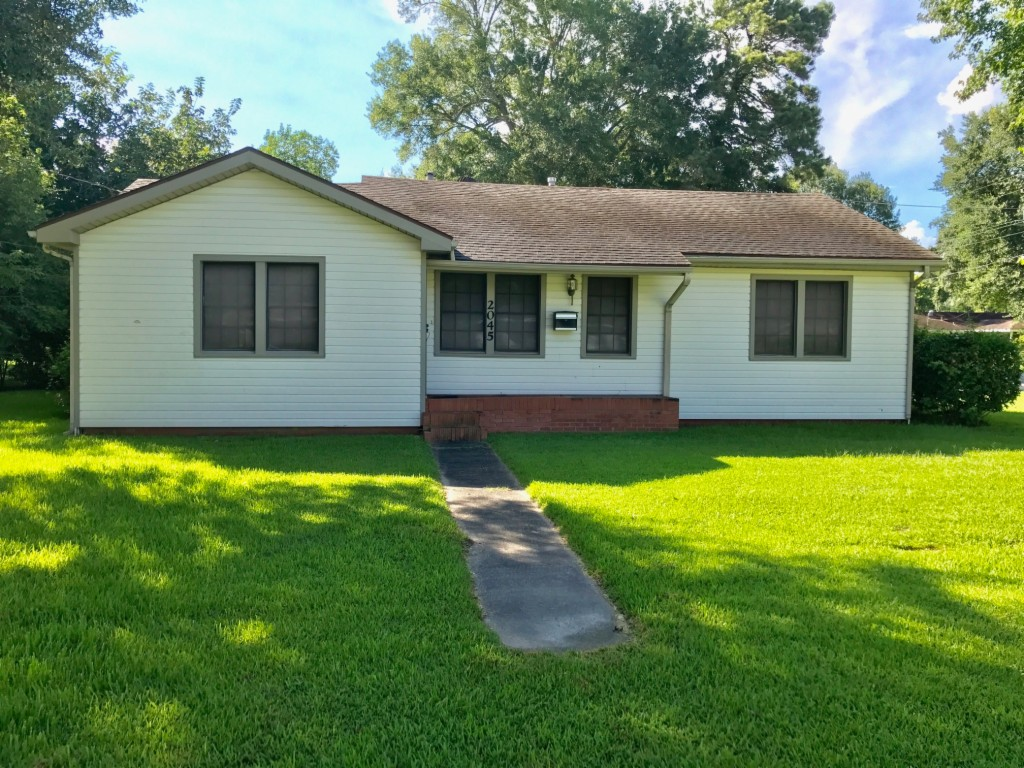 Photo of 2045 11th St  Port Neches  TX