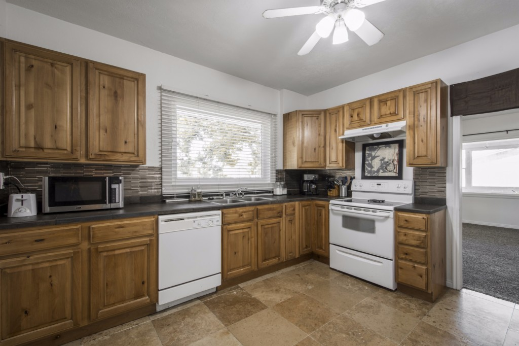Photo of 7575 Parkway Dr  Midvale  UT
