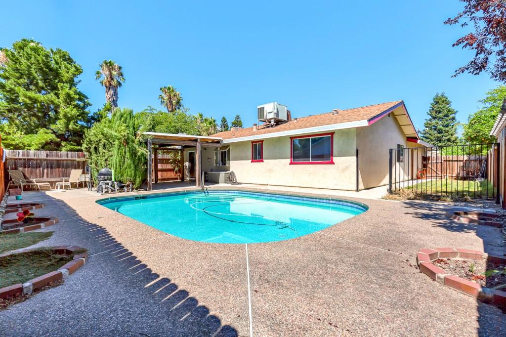 Photo of 2660 Summerfield Drive  West Sacramento  ID