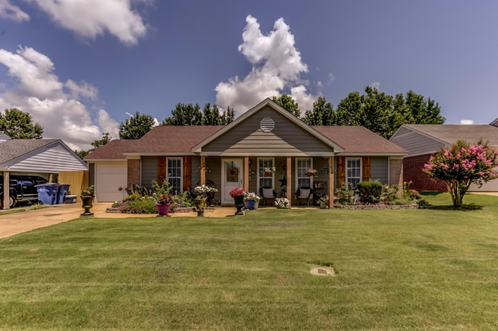 Photo of 10536 Oak Leaf Drive  Olive Branch  MS