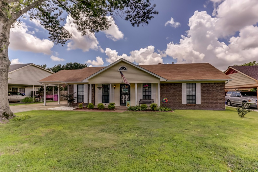 Photo of 7457 Wrenwood Drive  Southaven  MS