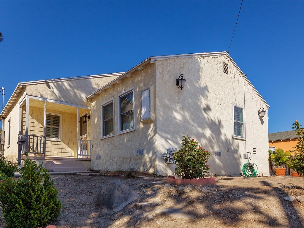 Photo of 2543 Montrose Avenue  Montrose  CA