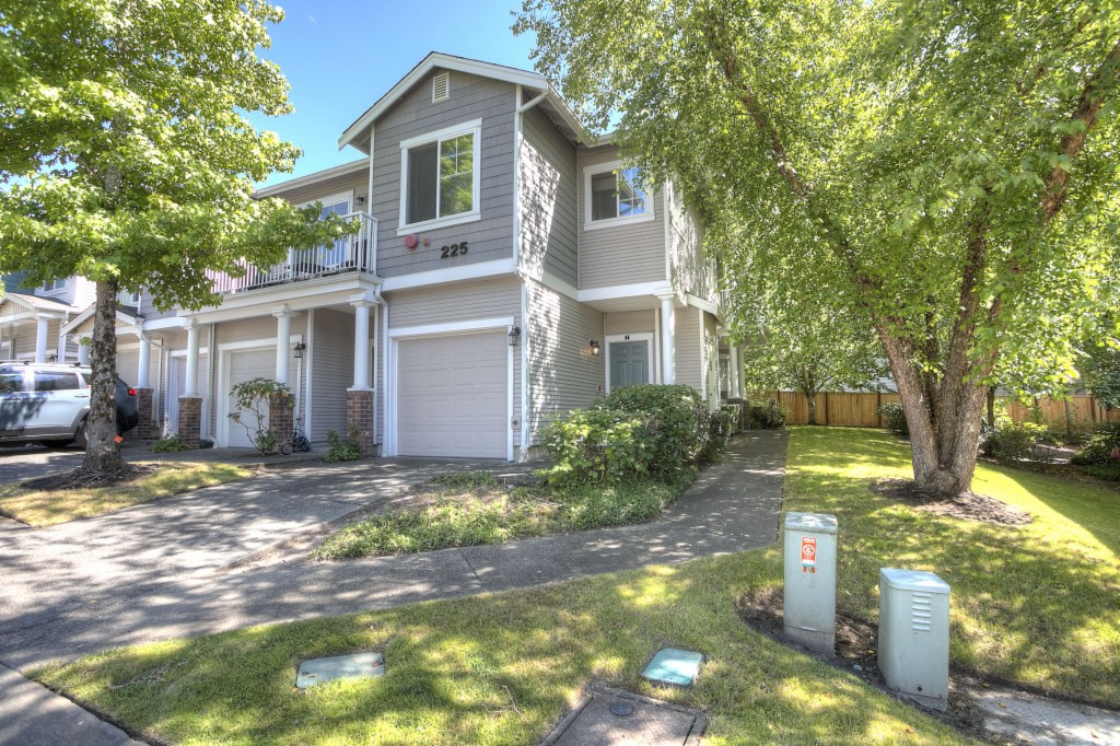 Photo of 225 S 51st St  Renton  WA
