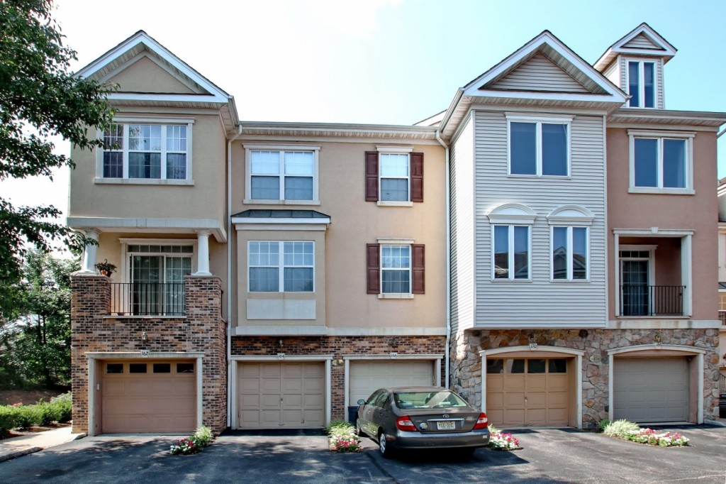 Photo of 164 Brittany Ct  Clifton  NJ