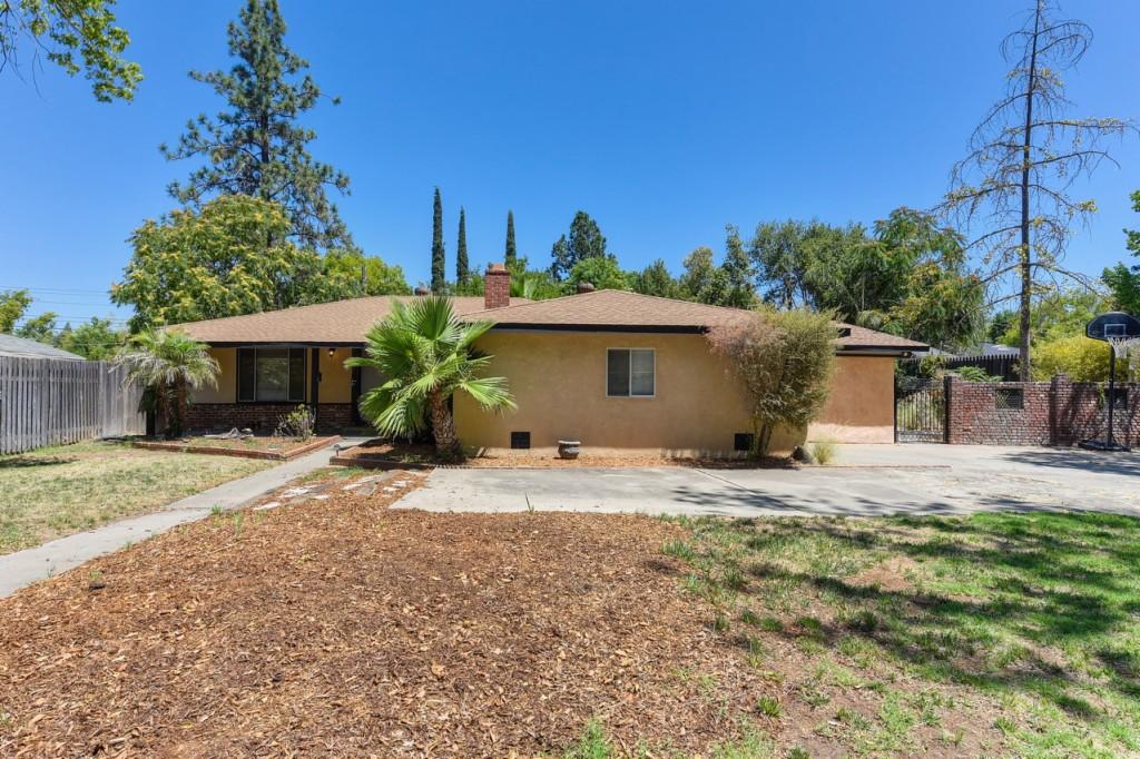 Photo of 4621 Robertson Ave  Sacramento  CA