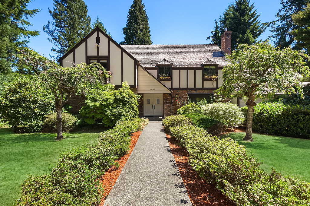 Photo of 22525 57th Ave SE  Bothell  WA