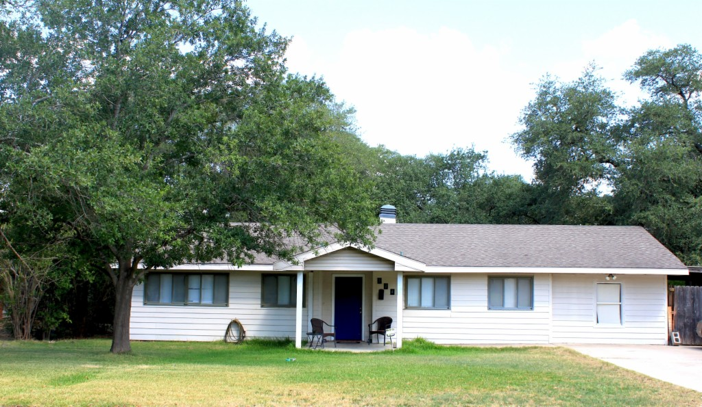 Photo of 524 Helena St  Bryan  TX