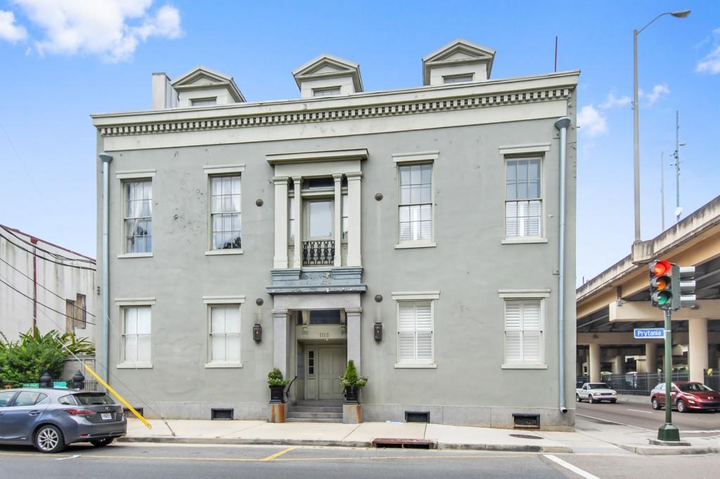 Photo of 1115 Prytania St  New Orleans  LA