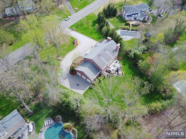 210 Wayfair Circle, Franklin Lakes, New Jersey