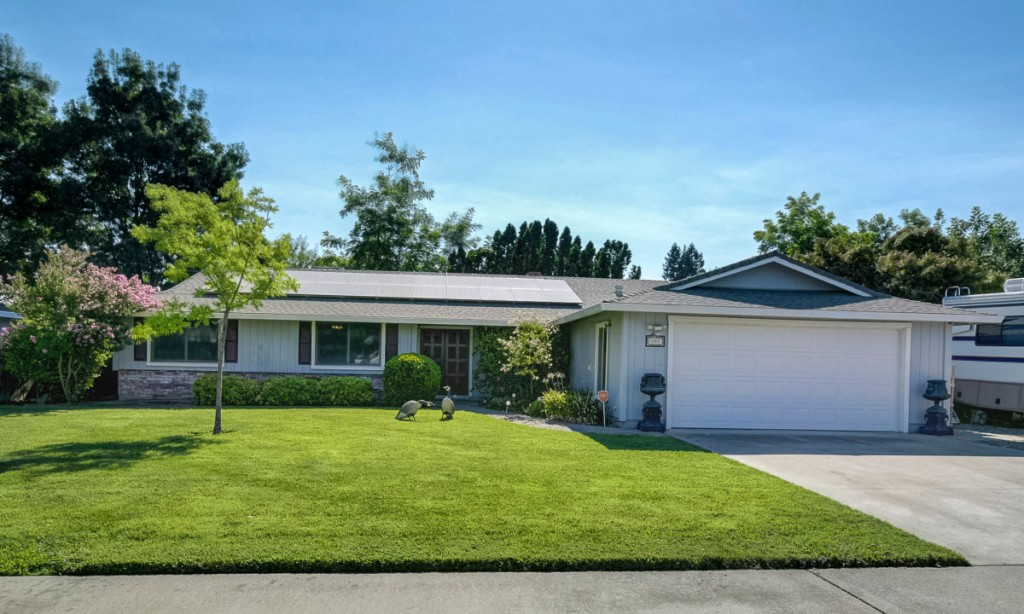 Photo of 598 Gregory Dr  Yuba City  CA