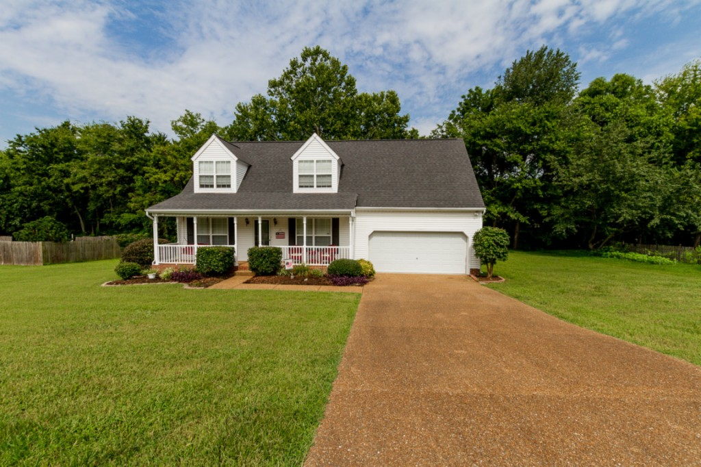 Photo of 1709 Shetland Lane  Spring Hill  TN