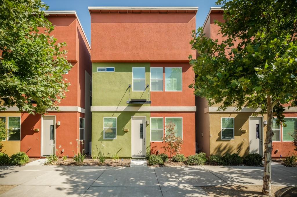 Photo of 855 Graphite Ln  West Sacramento  CA
