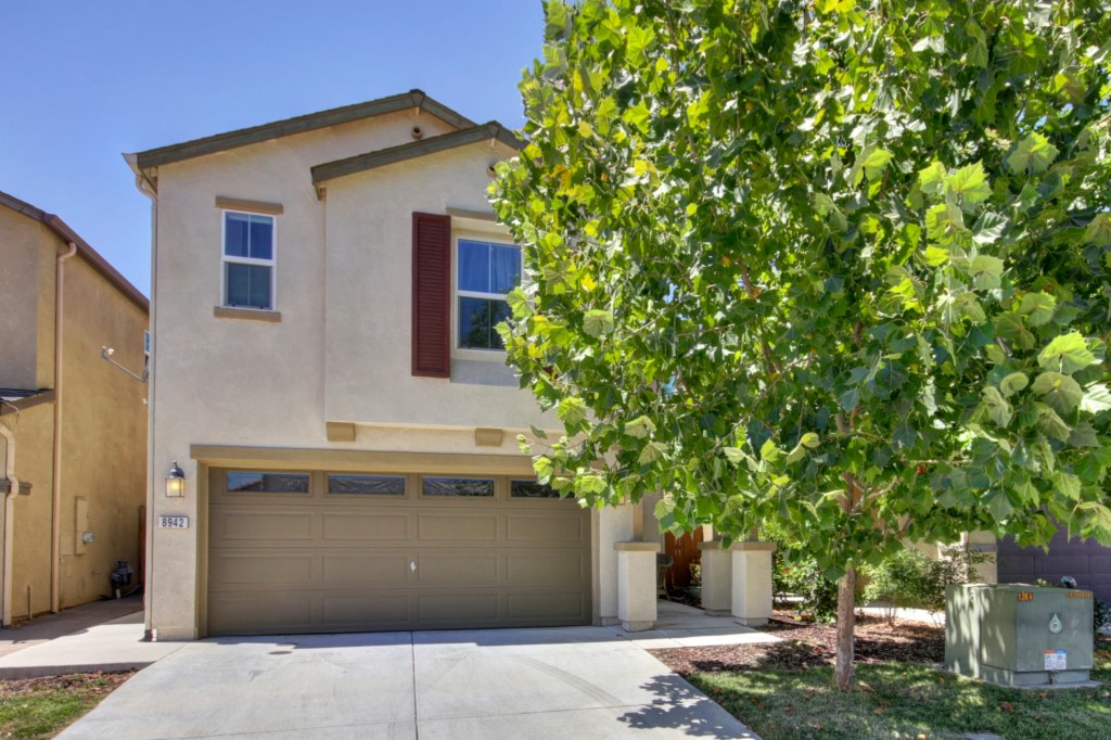 Photo of 8942 Great Rock Cir  Sacramento  CA