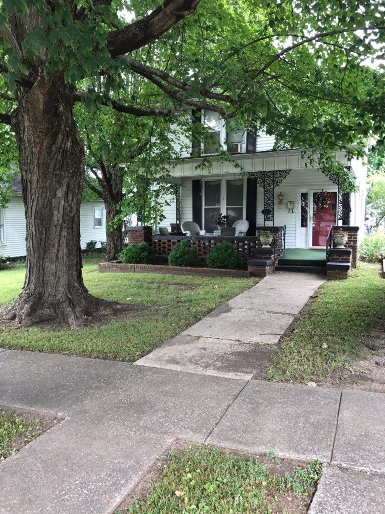 Photo of 430 W 5th Street  Russellville  KY