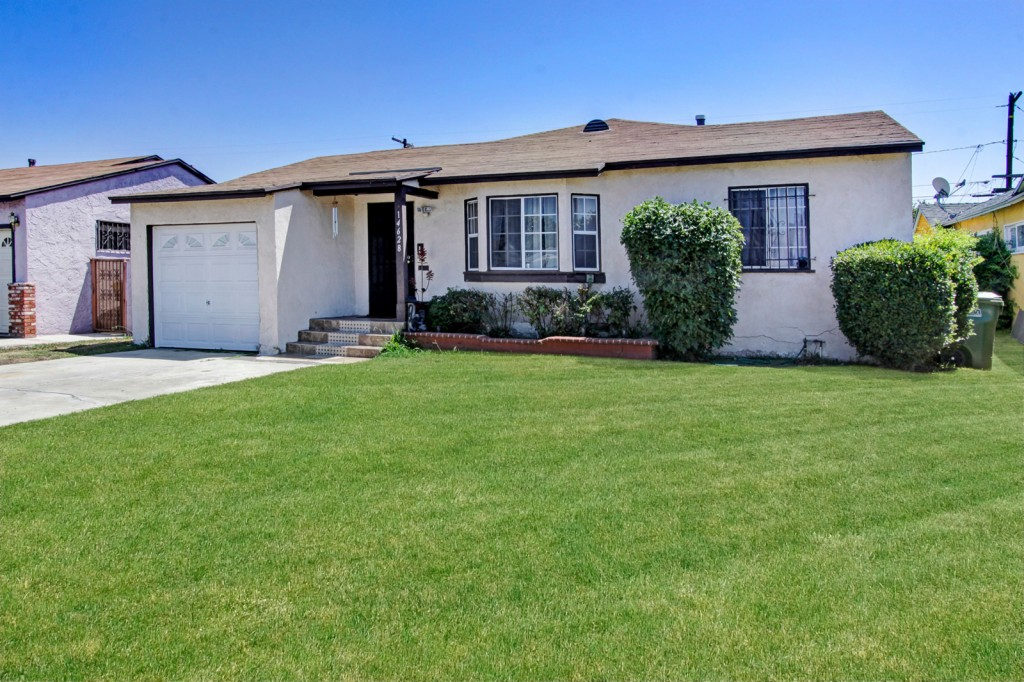 Photo of 14628 Cairn Ave  Compton  CA
