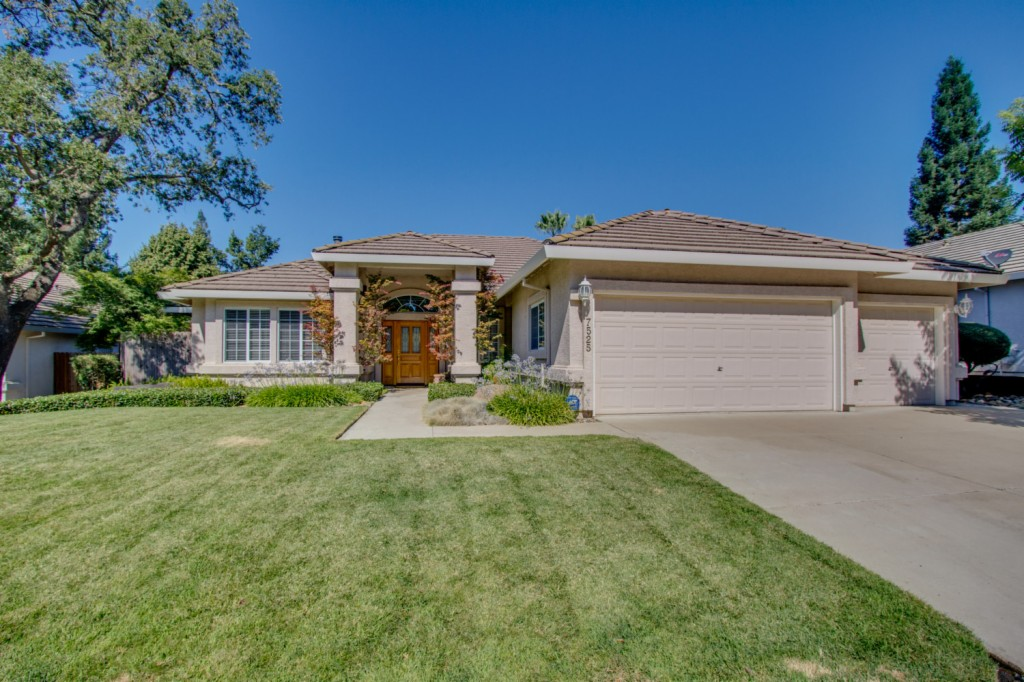 Photo of 7525 Fesler Court  Citrus Heights  CA