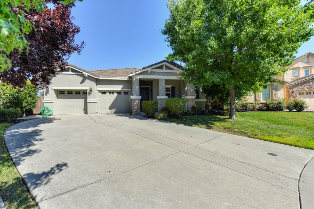 Photo of 5411 Tarkenton Ct  Elk Grove  CA