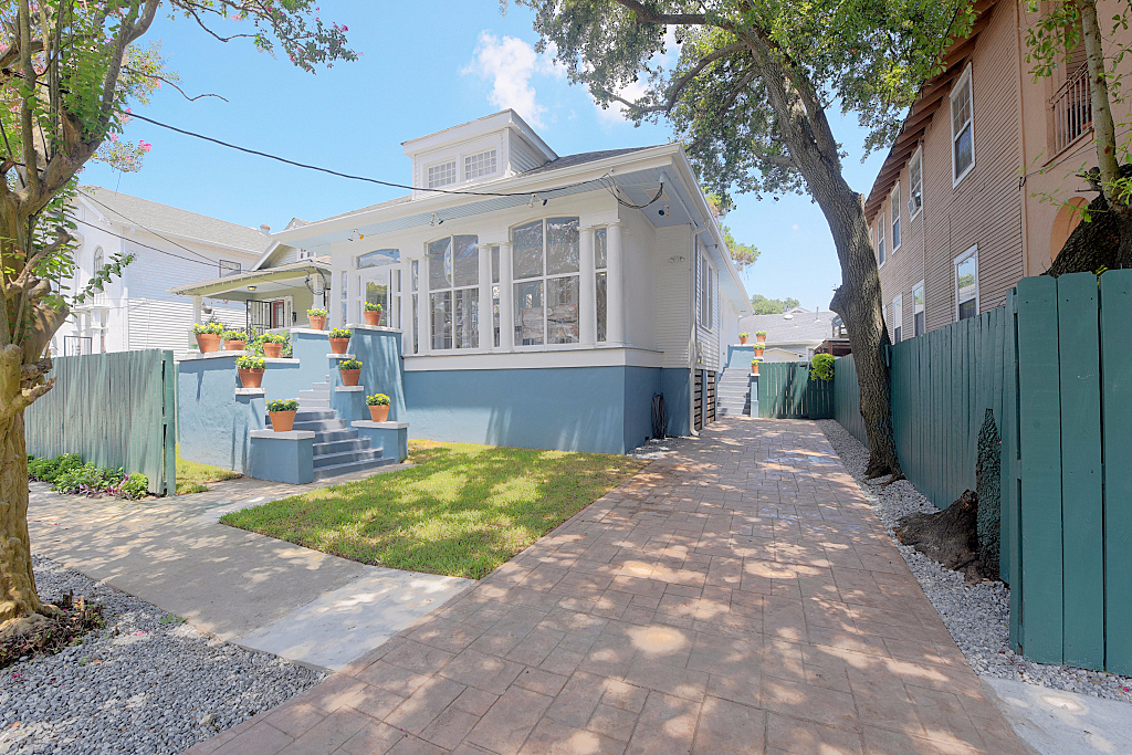 Photo of 4311 south derbigny  New Orleans  LA