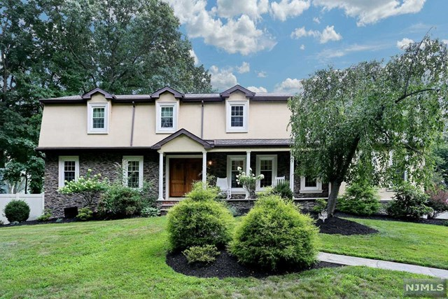 Photo of 553 Knoll Dr  River Vale  NJ