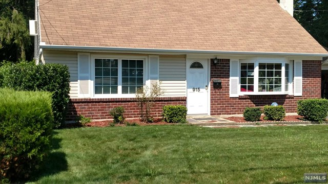 Photo of 915 Spring Valley Rd  Maywood  NJ