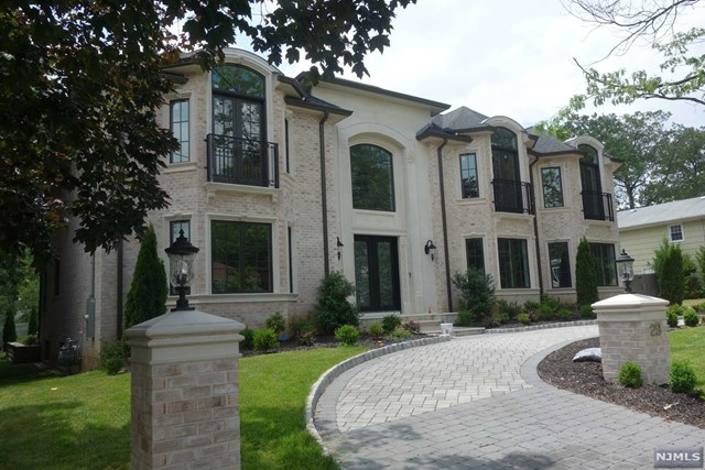Photo of 29 Laurie Dr  Englewood Cliffs  NJ