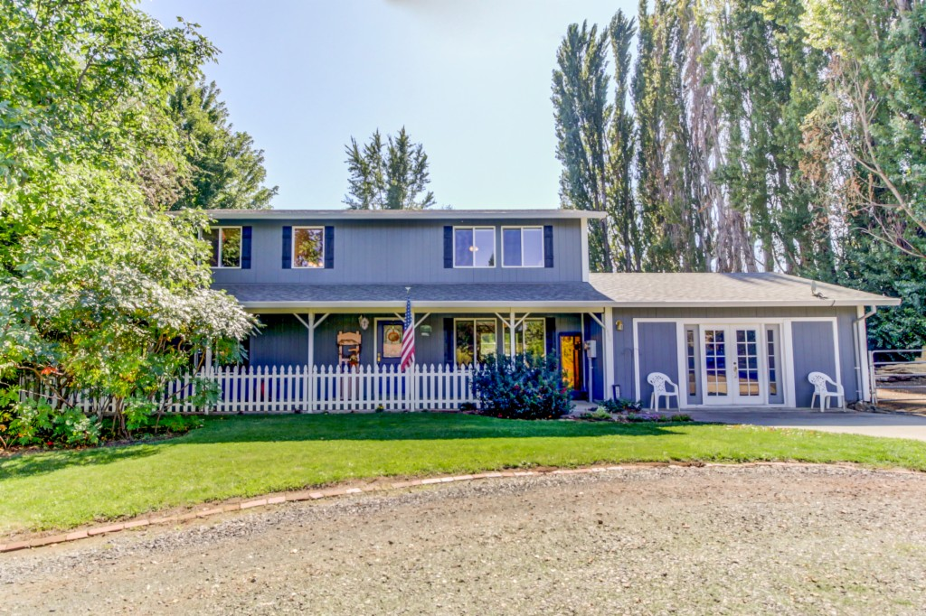 Photo of 1440 Barker Rd  Hood River  OR
