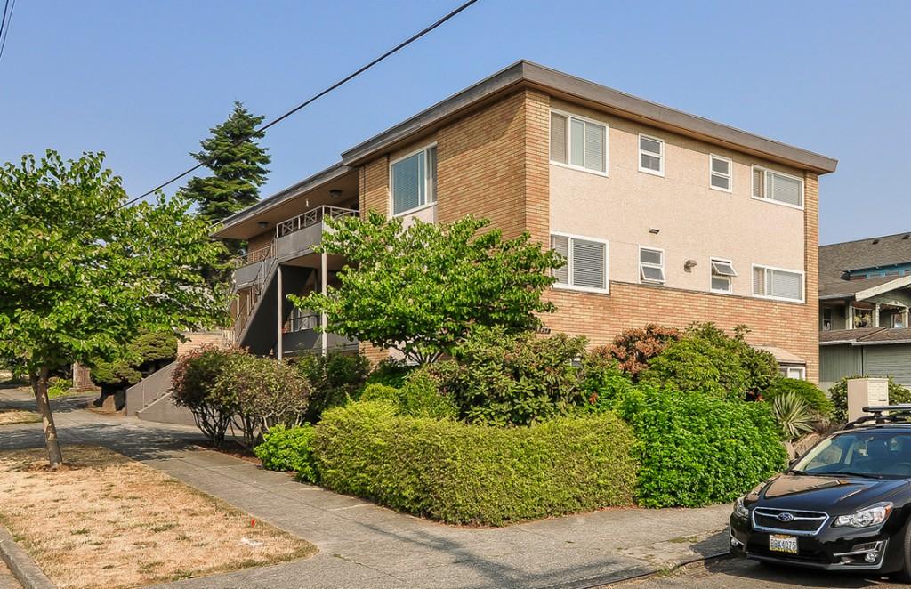 Photo of 4451 Woodland Park Ave N  Seattle  WA