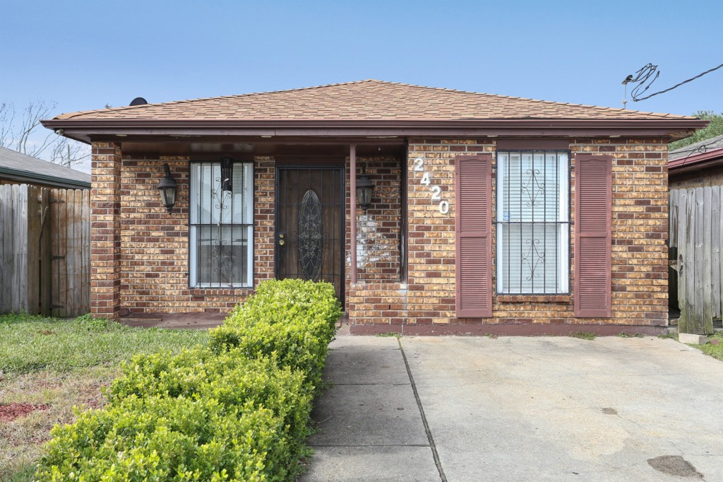 Photo of 2420 Dubreuil  New Orleans  LA