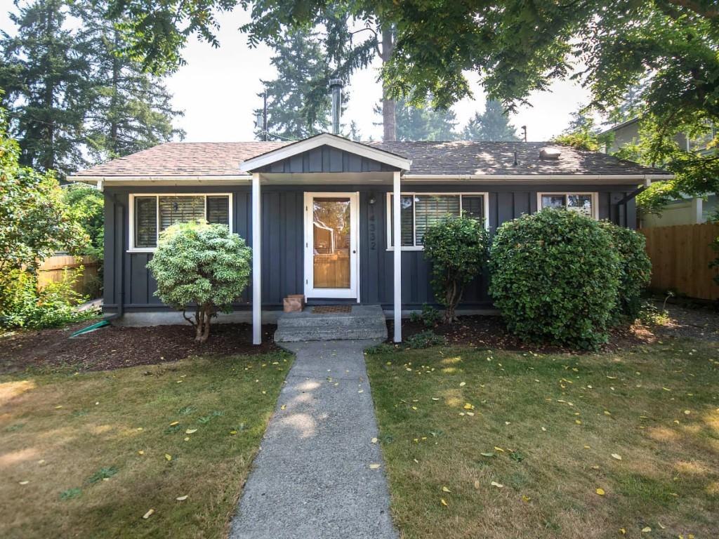 Photo of 14332 Interlake Ave N  Seattle  WA