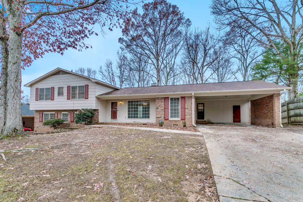 Photo of 2620 Berkley Hills Dr  Tuscaloosa  AL