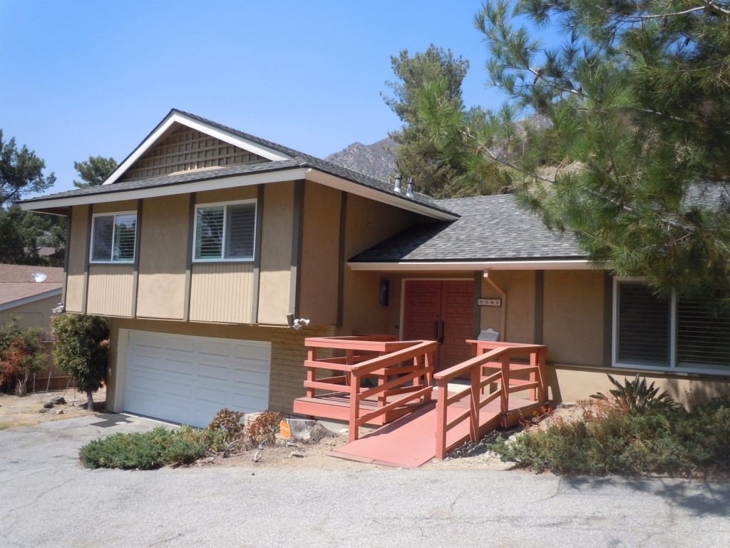 5542 Pine Glen Road La Crescenta, CA 91214