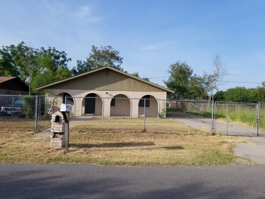 Photo of 3014 E Combes Ave  Alton  TX