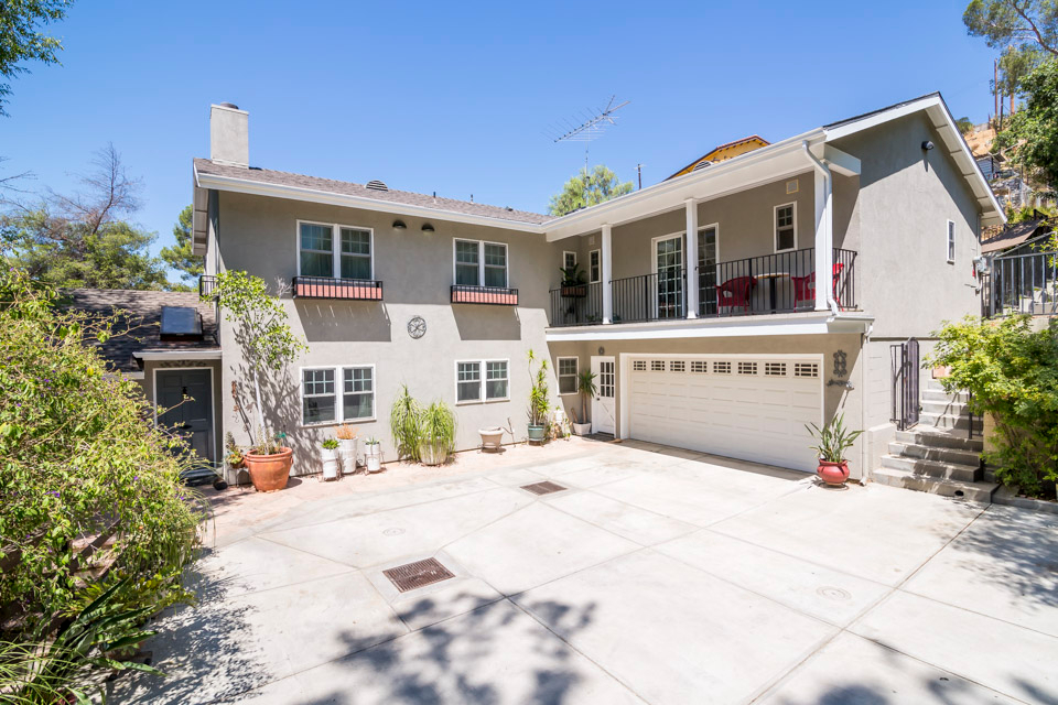 Photo of 10253 Sunland  Shadow Hills  CA