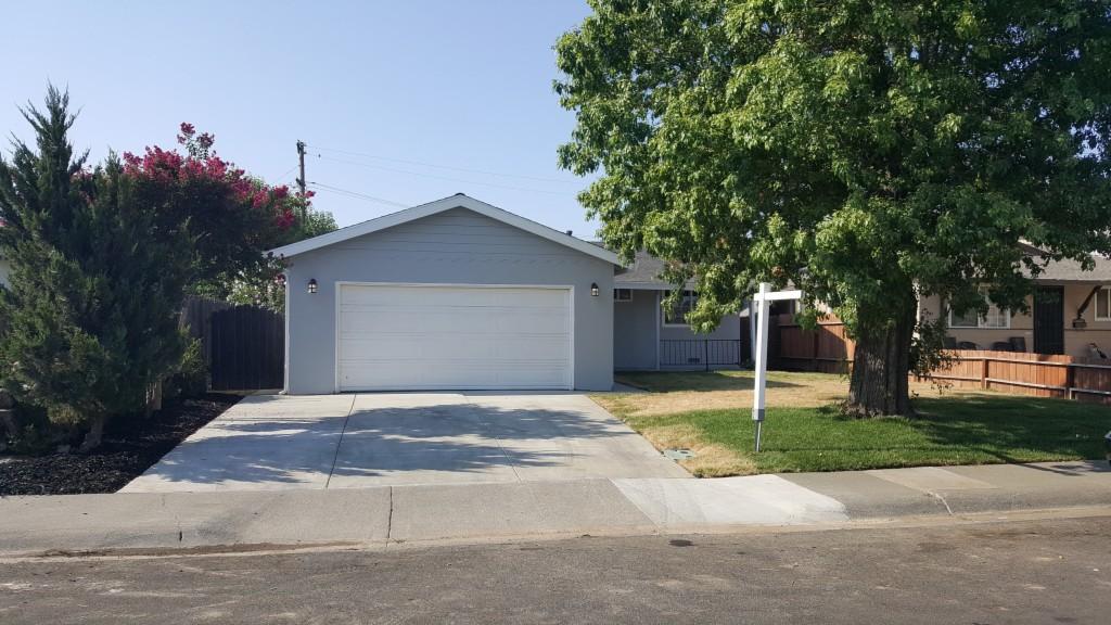 Photo of 127 Shasta Place  Woodland  CA