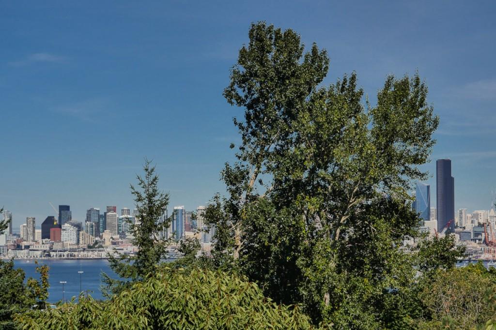 Photo of 3310 SW Admiral Way  Seattle  WA