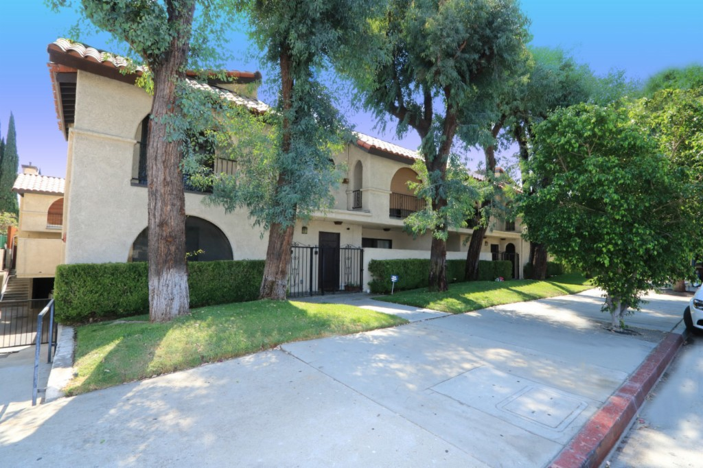 Photo of 6332 Fulton Ave  Valley Glen  CA