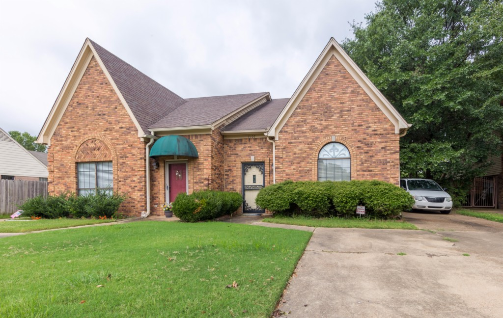 Photo of 7107 Greenbriar Drive  Southaven  MS
