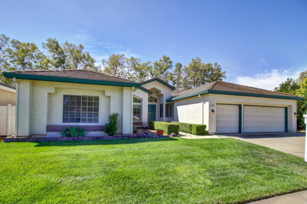 Photo of 8965 Royal Gate Way  Elk Grove  CA