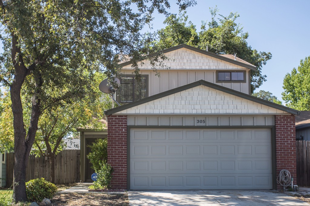 Photo of 305 Greenmore Way  Roseville  CA