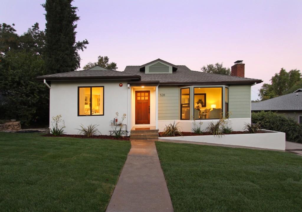 Photo of 528 Avon Avenue  Pasadena  CA