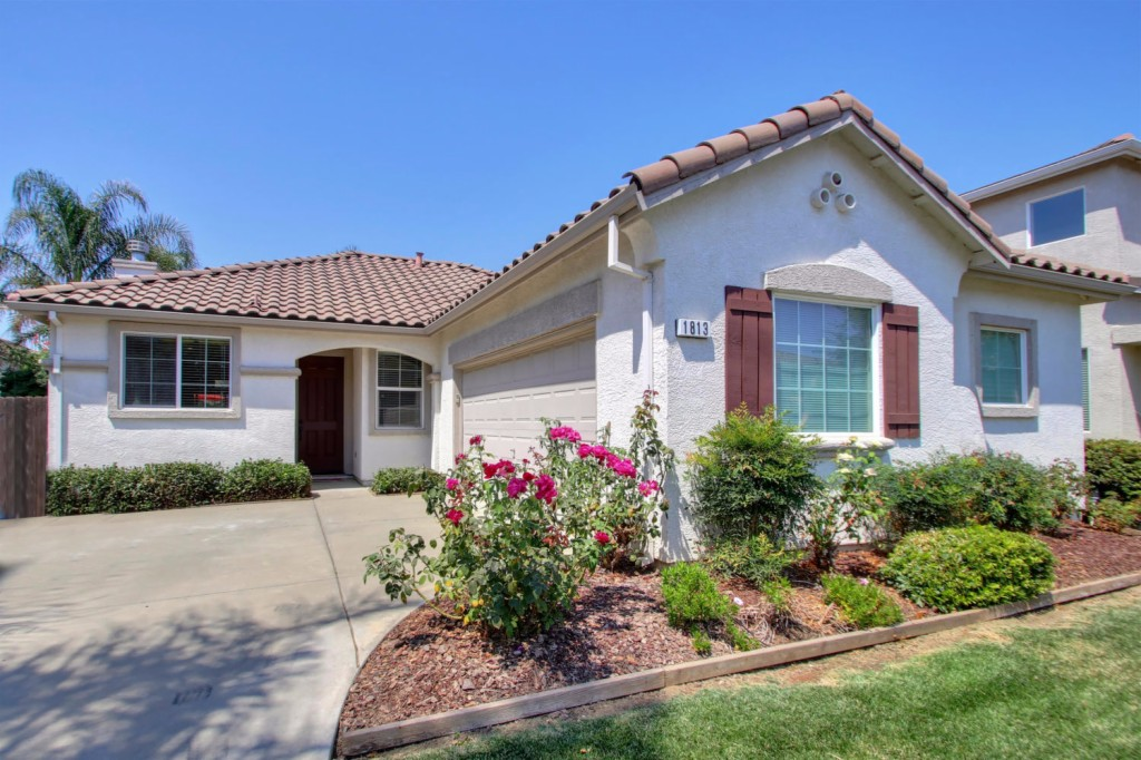 Photo of 1813 Lowe Drive  Woodland  CA