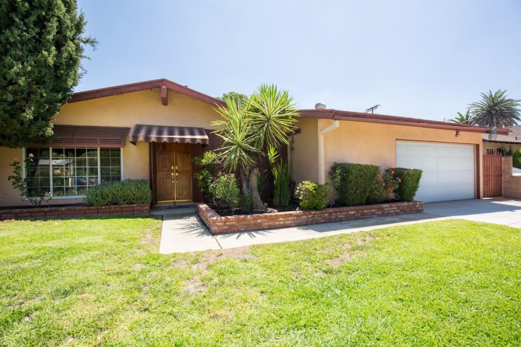 Photo of 10530 Dempsey Ave  Granada Hills  CA
