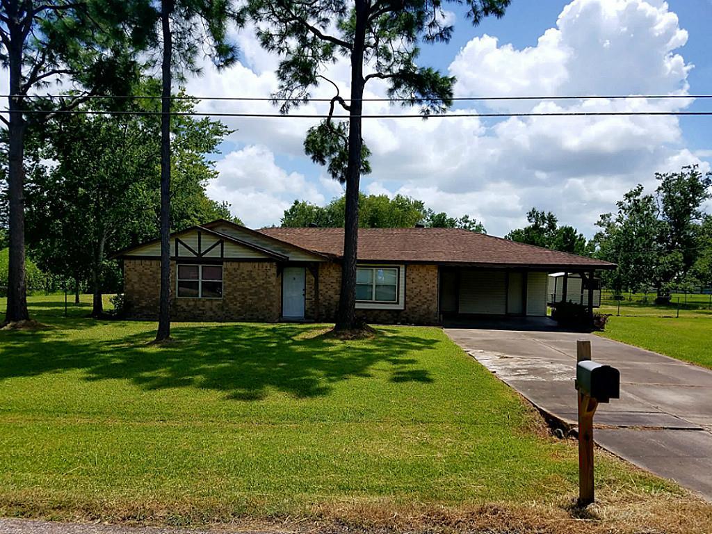 Photo of 1836 County Road 936  Alvin  TX