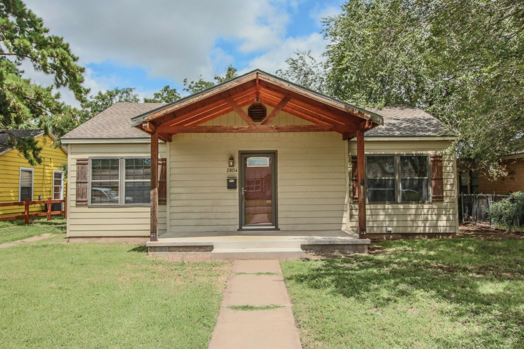 Photo of 2804 33rd St  Lubbock  TX