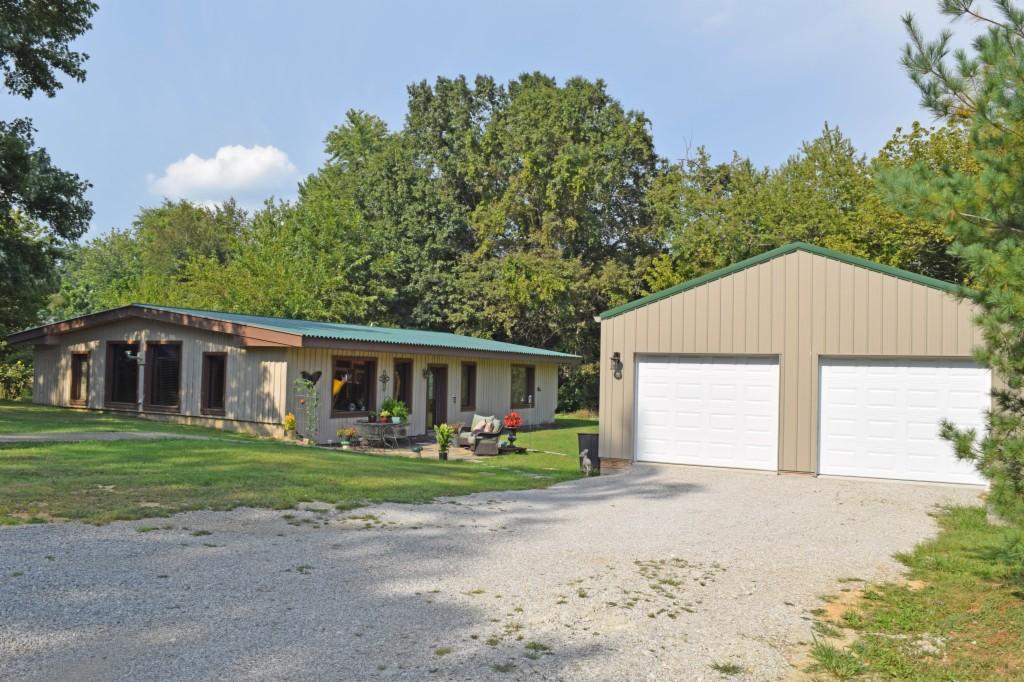 Photo of 214 Oak Street  Lynnville  IN