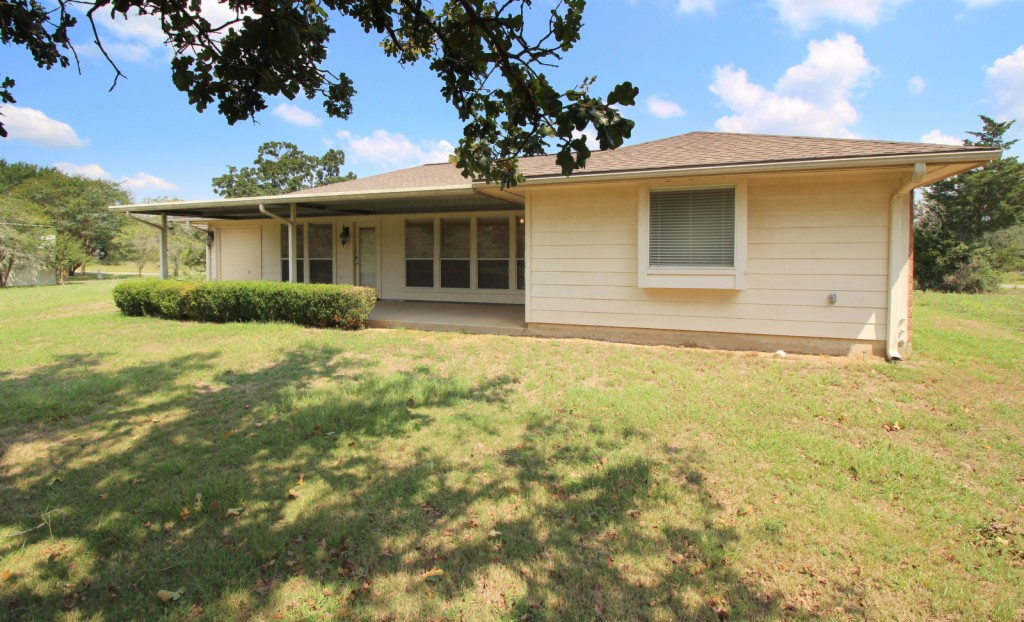 Photo of 242 Golfview Dr N  Hilltop Lakes  TX