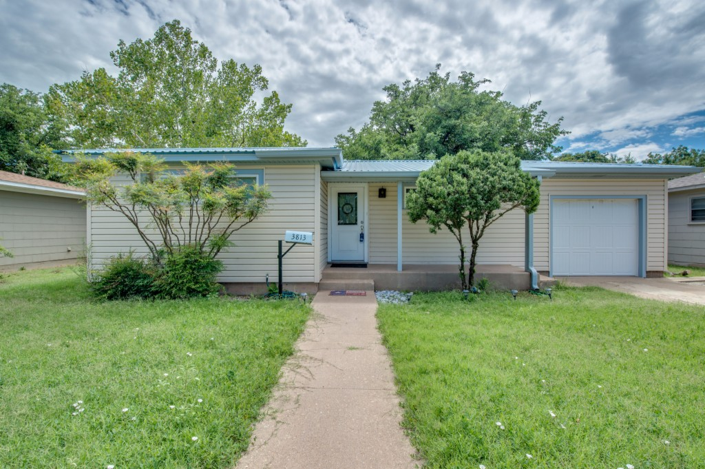 Photo of 3813 30th St  Lubbock  TX