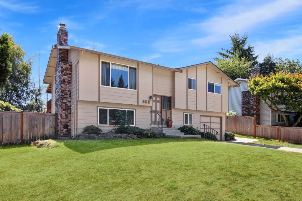 Photo of 212 225th St SW  Bothell  WA