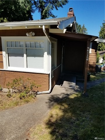 Photo of 213 Puyallup St  Steilacoom  WA