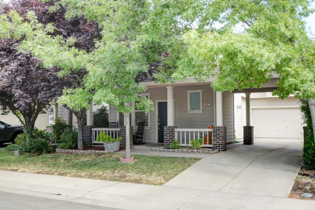 Photo of 1521 Arcola Avenue  Sacramento  CA